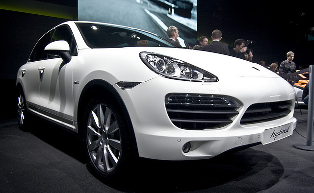 Porsche Cayenne Hybrid. Photo by David Villarreal Fernandez. License: CC BY-SA 2.0.