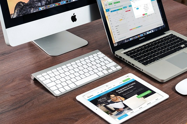 Apple MacBook iPad iMac